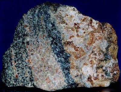 Barysilite, franklinite, andradite garnet and willemite from Franklin, NJ