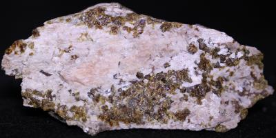 Bustamite, andradite garnet and minor willemite from Franklin, NJ