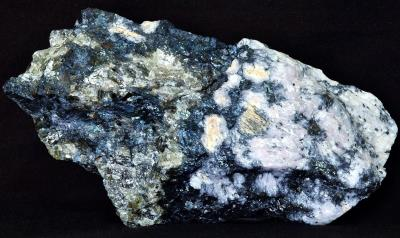 Covellite, sphalerite and calcite from Sterling Hill Mine, NJ