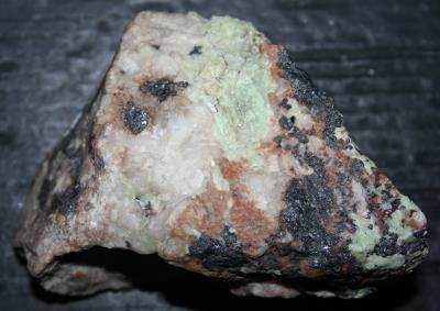 Esperite, willemite, franklinite and calcozincite from Franklin