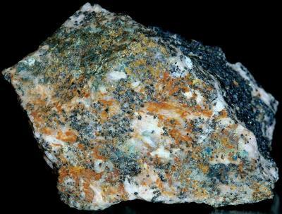 Yukonite, köttigite, franklinite and calcite from Sterling Hill Mine, NJ